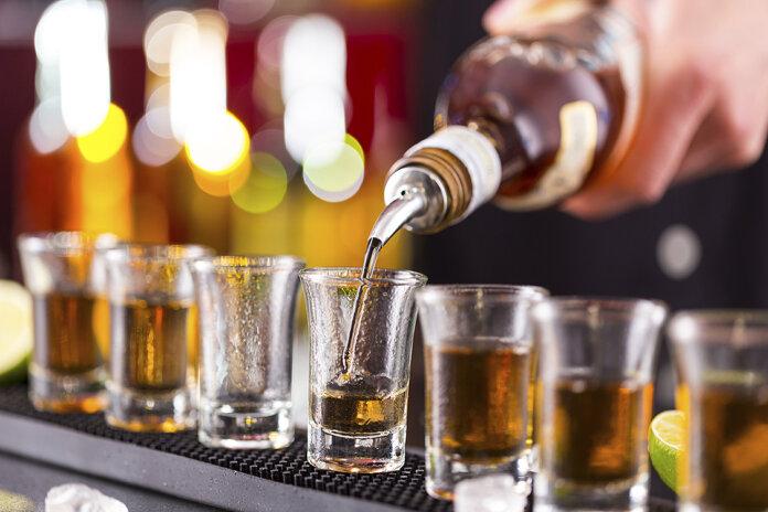 bebida-alcoolica-696x464